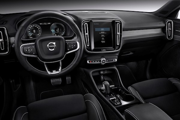227703 New Volvo XC40 T5 plug-in hybrid