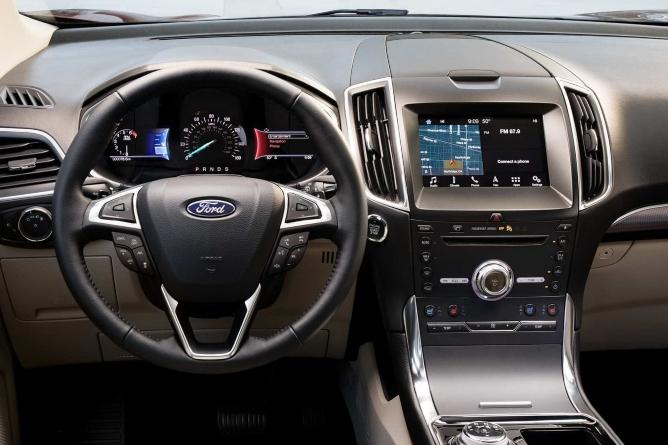 2019-ford-edge-interior-3