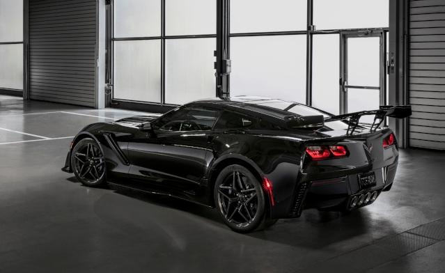 2019-chevy-corvette-exterior2
