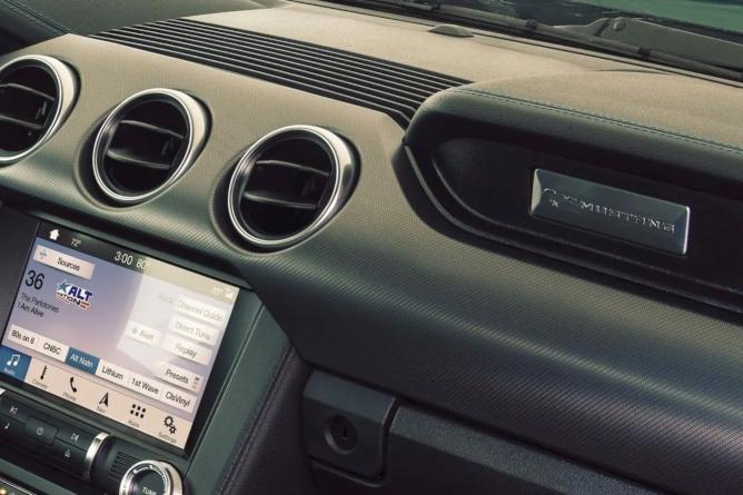 2019-ford-mustang-navigation-image