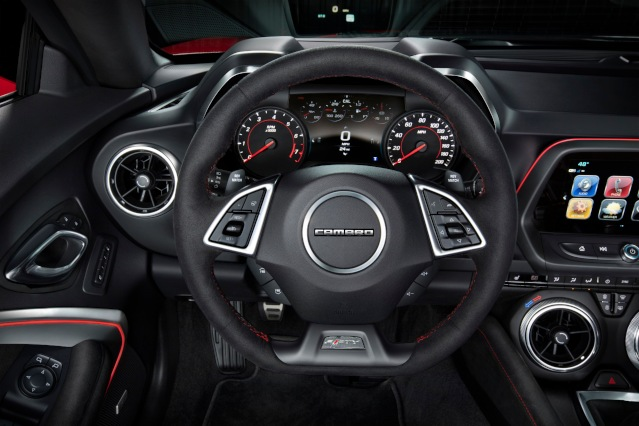 2019-chevrolet-camaro-interior1