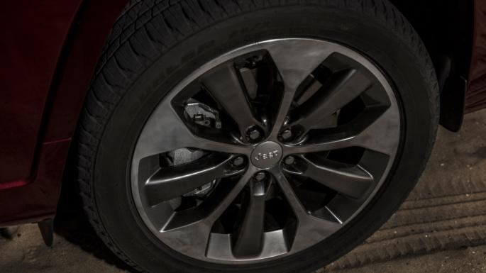2020-jeep-cherokee-image-16