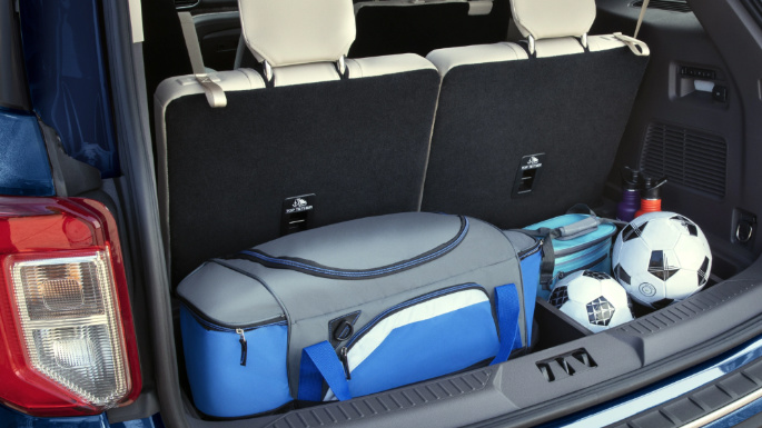 2021-ford-explorer-practicality-image