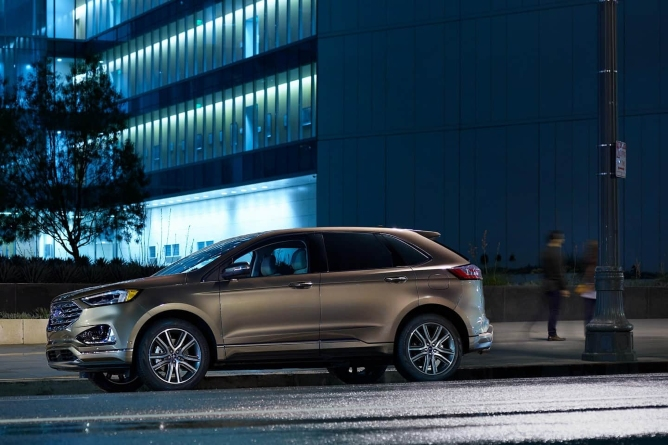 2019-ford-edge-image-5