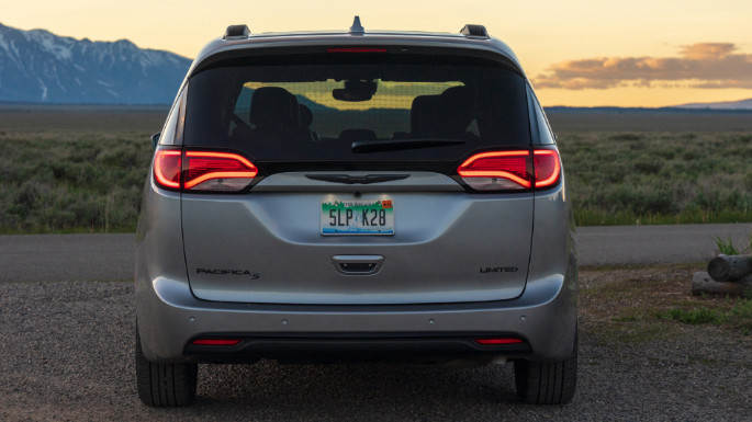 2020-chrysler-pacifica-image-5