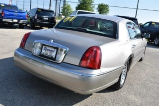 50 Best Milwaukee Used Lincoln Town Car For Sale Savings From 2 879